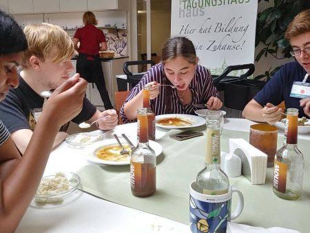 """Mittagessen beim Seminar """"Arbeit"""" der Jusos Bayern"""